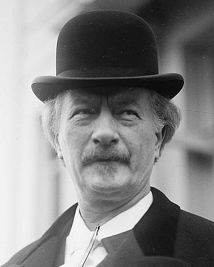 Czarno-biały portret Jana Paderewskiego w kapeluszu.